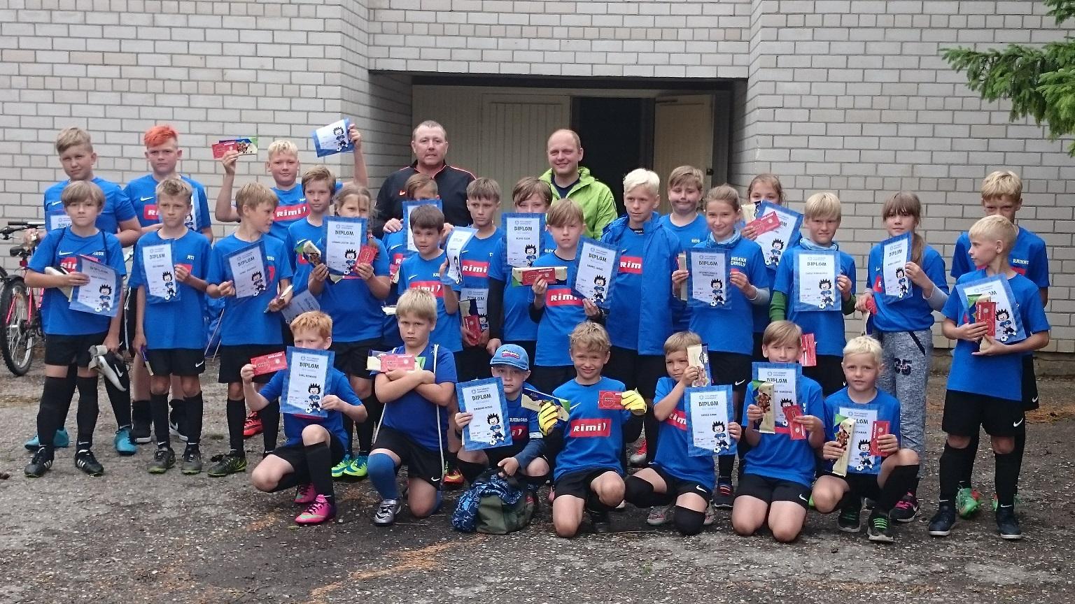 88e754db23f Erinevad Eesti paigad said juunilaagris taas rõõmustada laste üle, kes  registreerisid ennast juba 11 aastat toimunud EJL-RIMI jalgpallilaagritesse.